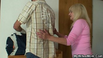 Hubby puts his fat cock  in his wife's fat juicy pussy